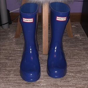 BLUE HUNTER BOOTS-BARELY WORN